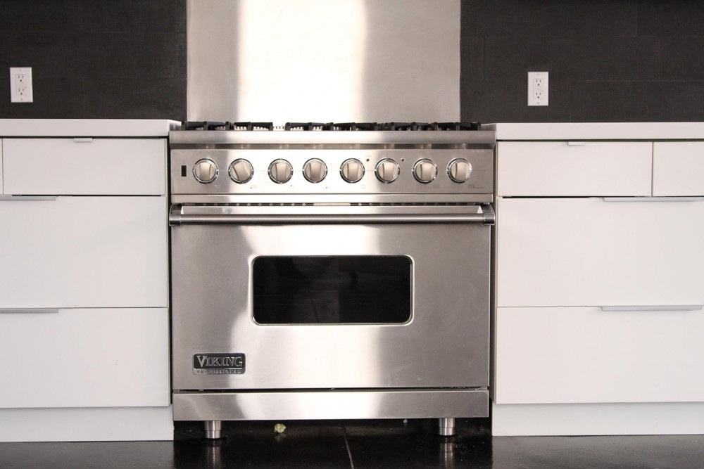 aq_block_1-Viking Professional range with convection oven